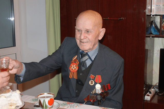 Награда ветерану Великой Отечественной
