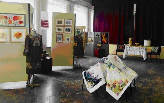 Выставка народных художественных промыслов и ремесел
