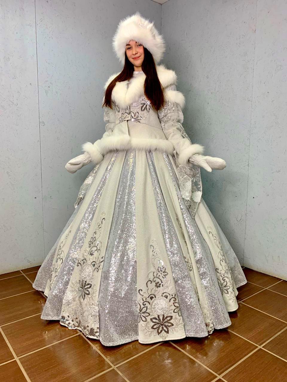 Новогодний подарок для главной Снегурочки города