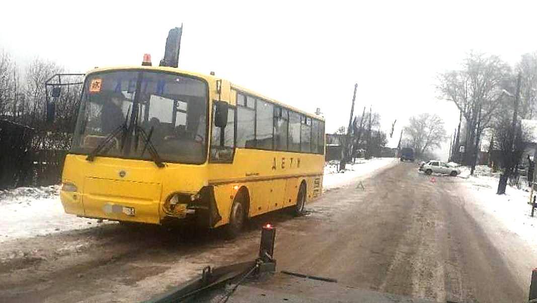 Первомайские школьники месяц без автобуса