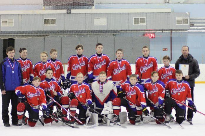 Хоккеисты из Стулово заняли второе место на региональном турнире