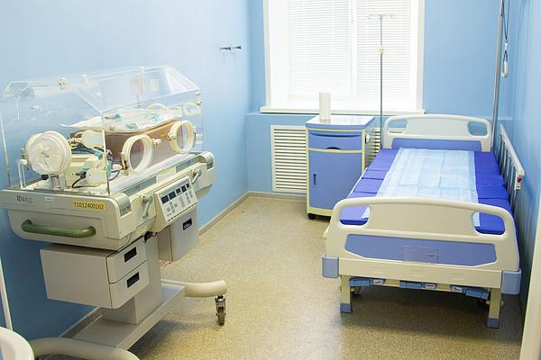 В Кировской области родился первый ребенок у женщины, находящейся на карантине по COVID-19