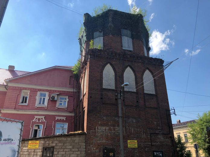 Туристический поток водонапорной башни