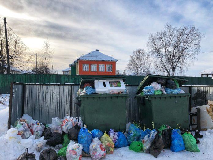 Уборку мусора заморозили