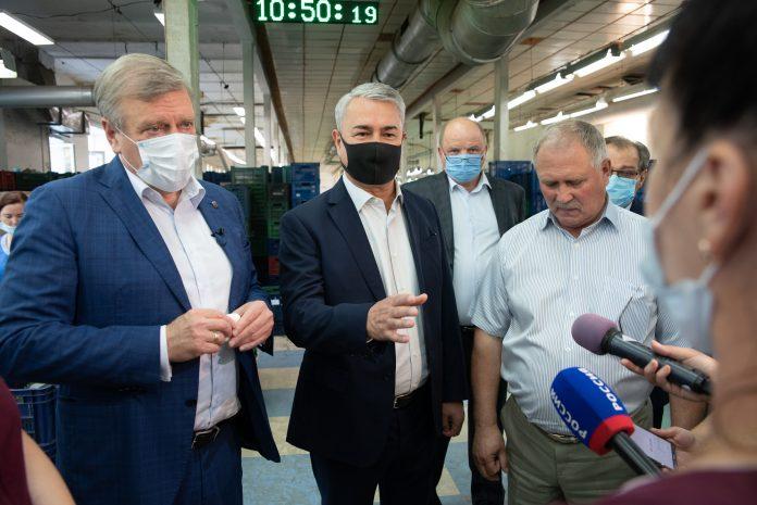 Губернатор Игорь Васильев и депутат Госдумы Рахим Азимов с рабочим визитом посетили Слободской район