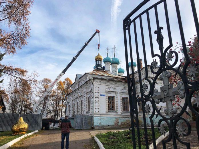 Освятили кресты в Екатерининском соборе